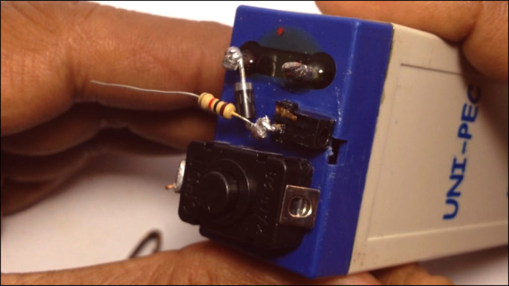 Rechargeable LED Light DIY 05